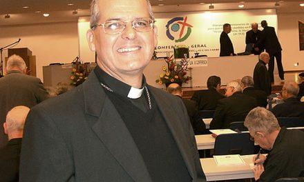 """Monseñor Molina: """"Durante la guerra hacerse evangélico era un salvoconducto"""""""