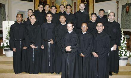 Quince jóvenes hacen su profesión religiosa temporal en el noviciado de Monteagudo