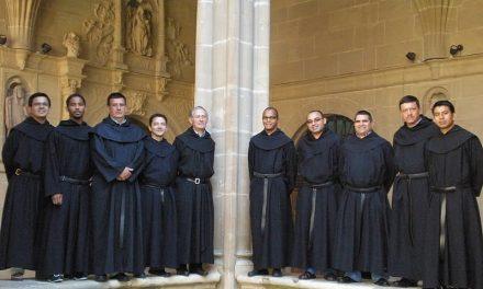 Nueve jóvenes frailes de cinco países se preparan durante un mes en San Millán para dar el sí definitivo