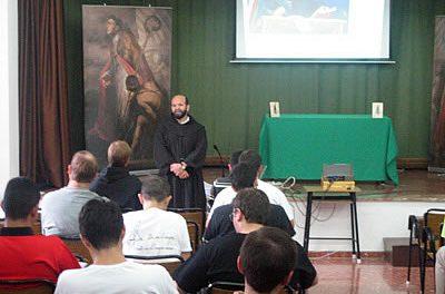 El convento de Monachil acoge a 32 frailes agustinos recoletos de las casas de formación de España