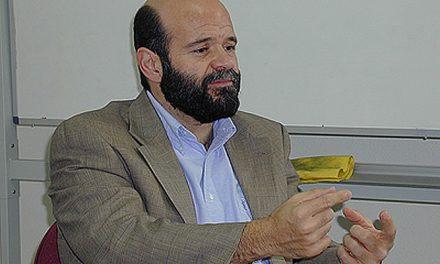 El director de Avgvstinvs descubre un pergamino hebreo en Monteagudo