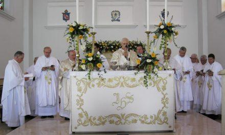 Alejandro Castaño toma posesión canónica como obispo de Cartago