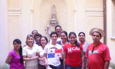 Un centenar de jóvenes agustinos recoletos continúa la JMJAR visitando Roma