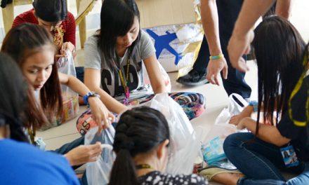 Los agustinos recoletos distribuyen 56.000 bolsas  y recaudan más de 200.000 euros para ayuda de los damnificados