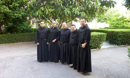 Cinco jóvenes agustinos recoletos inician el mes de preparación especial para la profesión solemne