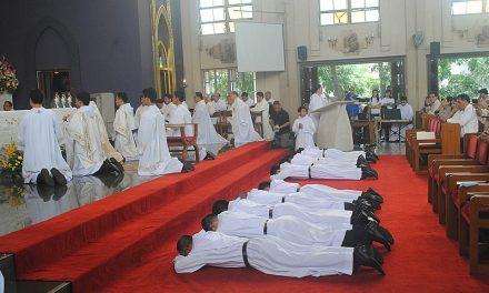 Catorce nuevos agustinos recoletos se consagran definitivamente a Dios en  Europa, América y Asia