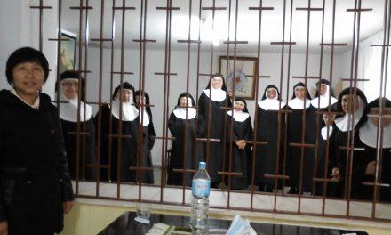 Ingresa en el monasterio la madre de cinco agustinos recoletos chinos