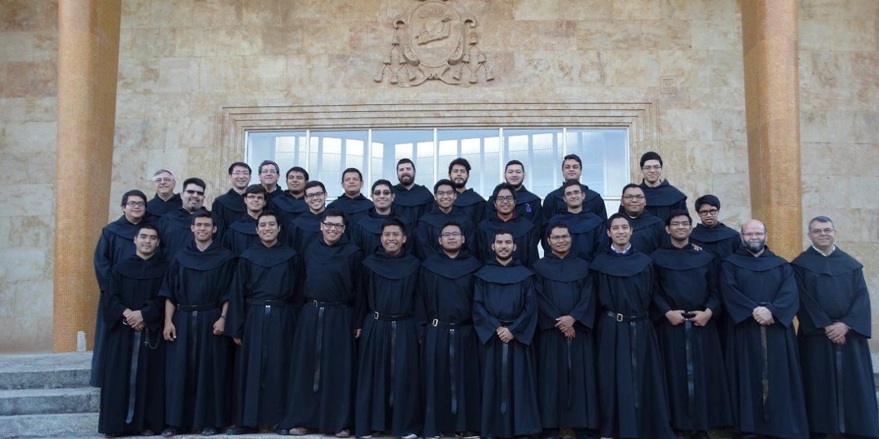 Tres semanas de formación propia agustiniana para los jóvenes profesos de la OAR