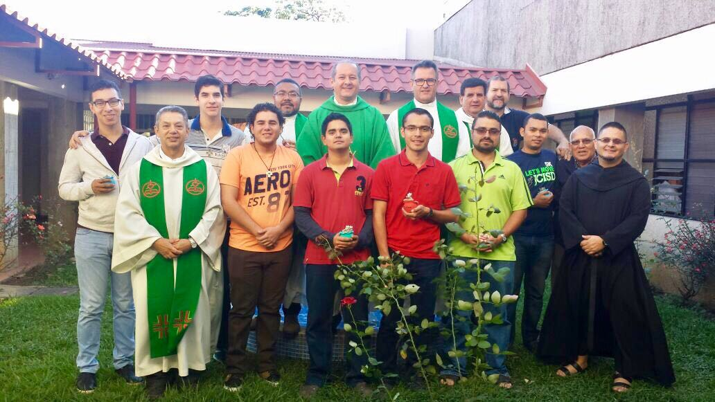 Cinco jóvenes inician el postulantado en Costa Rica