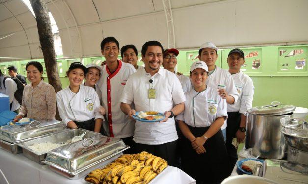 La Universidad San José – Recoletos de Filipinas lanza un programa de distribución de alimentos para los pobres