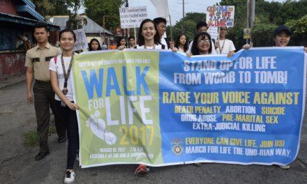 Marcha pro vida en la Universidad Negros Occidental de Filipinas