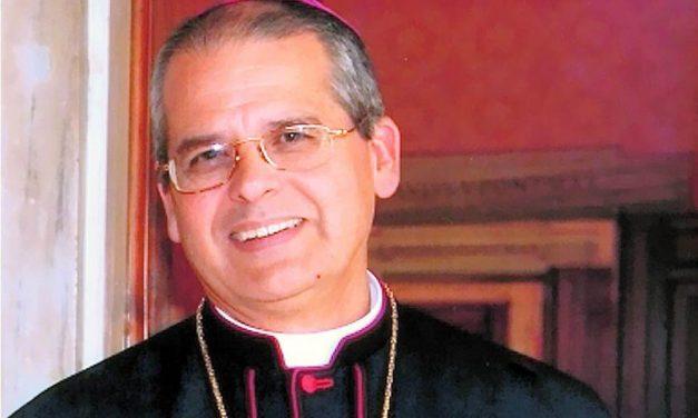 Mons. Mario Alberto Molina hace un llamamiento a la santidad en la misa crismal del Jueves Santo