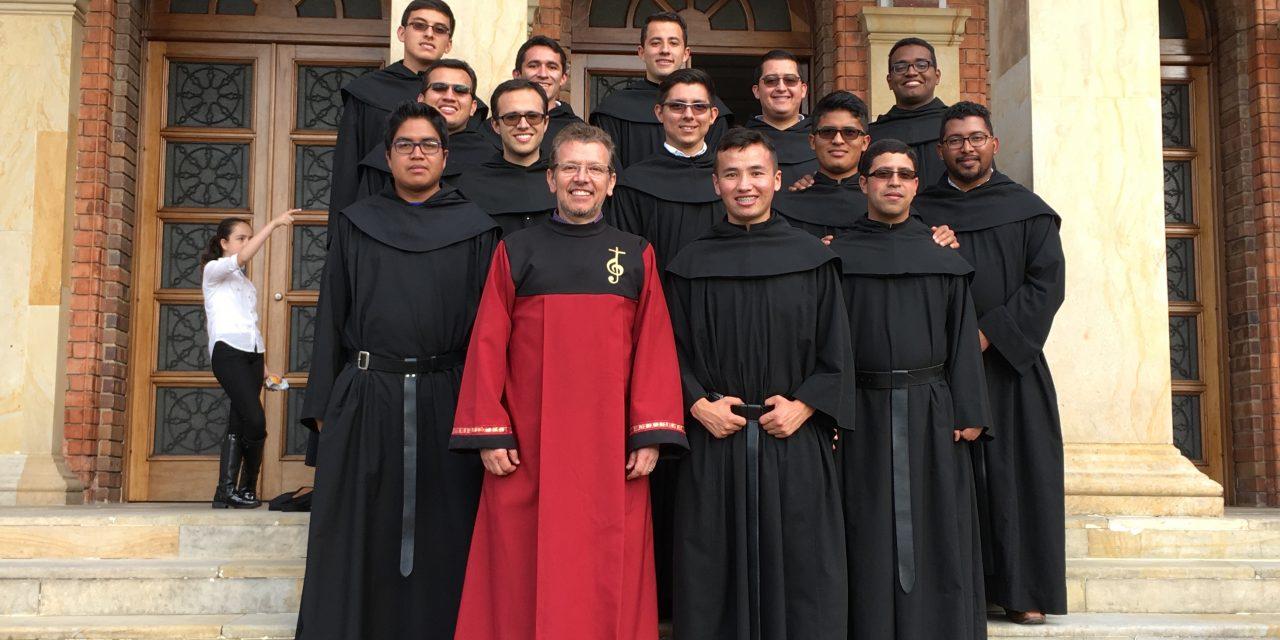 Los profesos de la casa de formación de la provincia Nuestra Señora de la Candelaria, cantarán al papa Francisco en su visita a Colombia