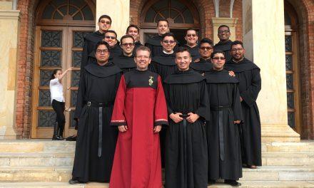 Os agostinianos recoletos da casa de formação da província Nossa Senhora da Candelária, cantarão ao Papa Francisco na sua visita a Colômbia