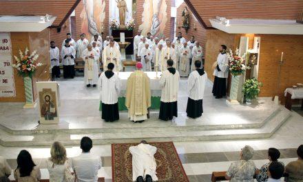 Ordenados cuatro nuevos sacerdotes agustinos recoletos en Filipinas y España