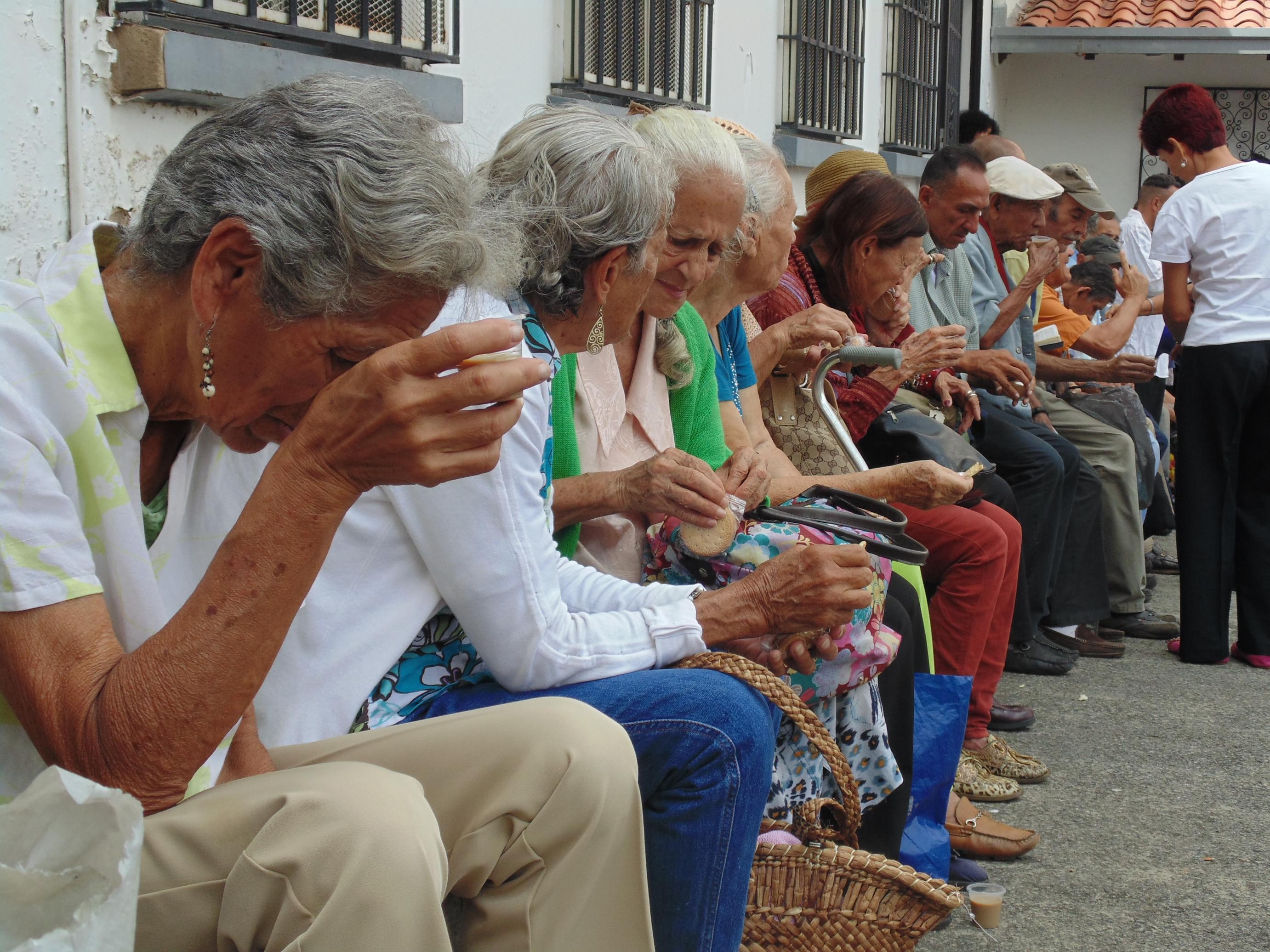 Venezuela-Parroquia-Guadalupe-Personas-Mayores-4