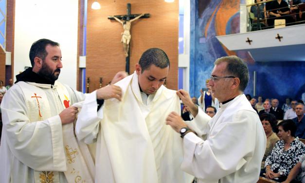 """Fr. Tiago Coelho: """"Los jóvenes necesitamos encontrarnos con nosotros mismos y con Dios"""""""