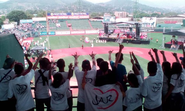 La juventud venezolana asume con valentía el reto de ser luz de esperanza