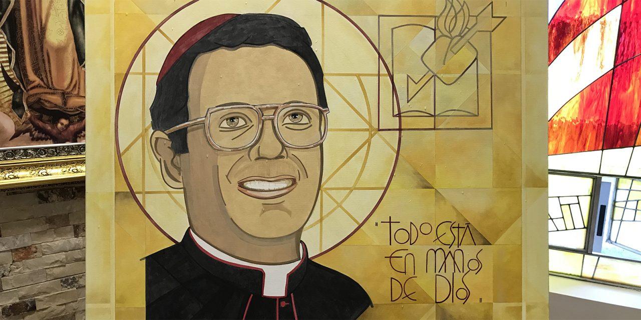 Mons. Alfonso Gallegos, testigo y profeta de comunión, en la pintura